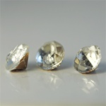 Wholesale 30SS Rhinestones Crystal pointed back with foil 7mm. Over 500 pieces, 100 grams.