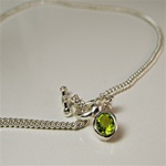 "16"" Silver Plated Toggle Necklace with Peridot Pendant"