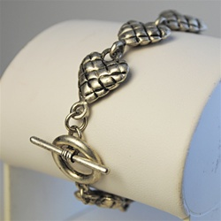 Wholesale Antique Silver Hearts Necklace Charming puffed hearts bracelet with toggle clasp, 7 1/2